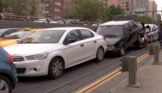 Başkentte 4 araç birbirine girdi