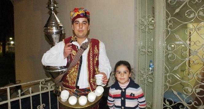 Davetlileri Osmanlı şerbeti ile karşıladılar