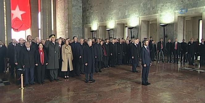 Devlet erkanı Anıtkabir'de