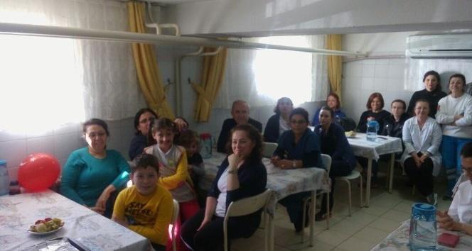Lapseki Devlet Hastanesinde 23 Nisan sevinci