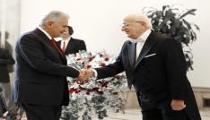 Türkiye Büyük Millet Meclisi Başkanı İsmail Kahraman tebrikleri kabul etti