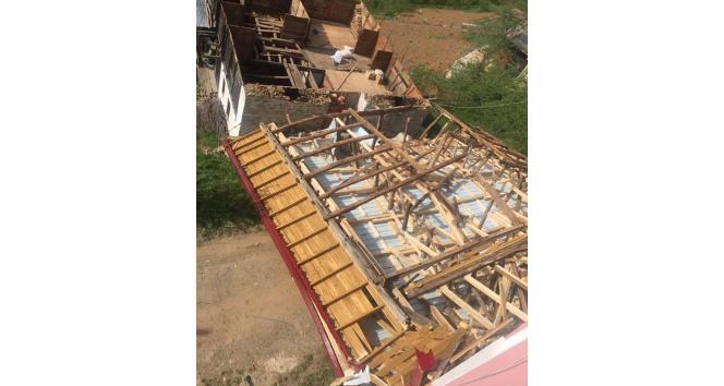 Trabzonun Çaykara ve Dernekpazarı ilçelerinde Fırtına: 1 ölü, 1 yaralı