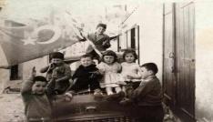 Kıbrısta 1950li yıllarda ki 23 Nisan coşkusu fotoğraf karesinde
