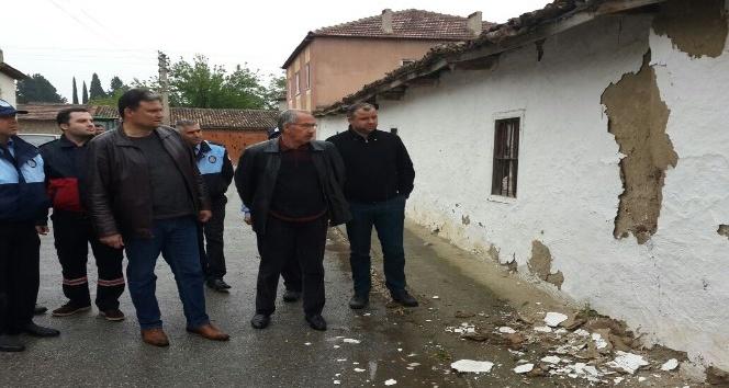 Manisa Büyükşehirden deprem sonrası Saruhanlıda hasar tespiti