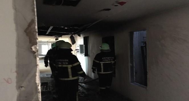 Otel inşaatında çıkan yangın paniğe neden oldu