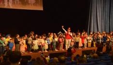 Büyükşehir Belediyesi 23 Nisan Çocuk Şöleni düzenledi