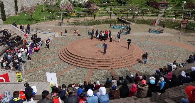 Trabzonda yaşayan yabancı uyruklu çocuklar 23 Nisanı kutladı