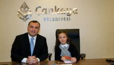 Başkan Taşdelen, makamını Ayşe Ceren Akbaşa devretti