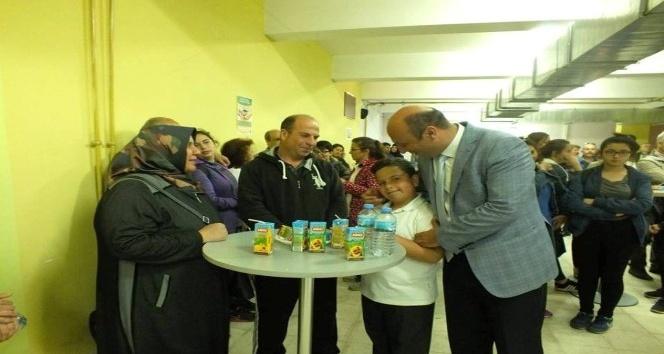 Ayvalık Mehmet Akif Ersoy Ortaokulundan gurur çayı