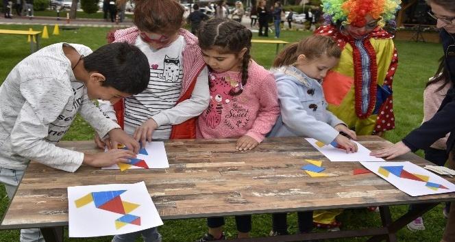 Yunusemre Belediyesinden anlamlı 23 Nisan etkinliği