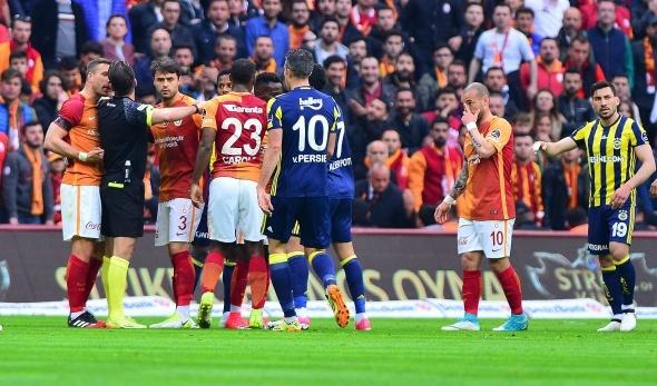 Galatasaray Fenerbahçe maçından özel kareler
