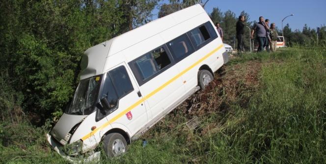 Adana'da korkunç kaza! 13 öğrenci...
