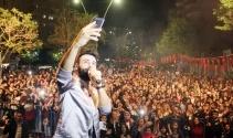 Emre Kaya 23 Nisan'da Adana'da sahne aldı