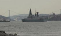 İngiliz savaş gemisi İstanbul Boğazından geçti