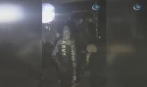 Kamyon kasasında 60 göçmen yakalandı