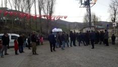 Şehidin Tatvandaki köyü bayraklarla donatıldı