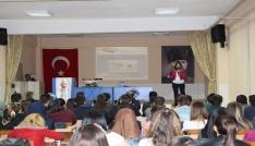 Gediz MYO öğrencilerine evlilik ve aile hayatı konulu seminer