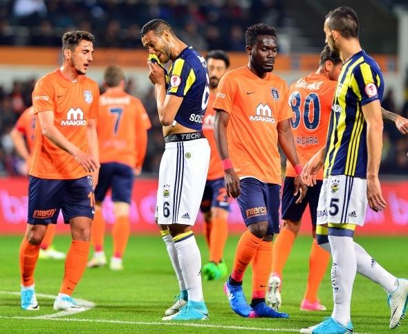 Medipol Başakşehir Fenerbahçe maçından kareler