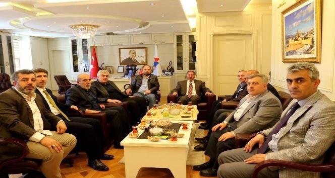 Ak Parti Erzurum İl Başkanı Öz,  AİÇÜ Rektörü Karabulutu Ziyaret Etti