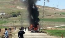 Elazığda minibüs alev alev yandı