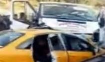 Minibüsle taksi çarpıştı: 2 ölü, 3 yaralı