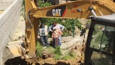 10 ay önce kaybolan yaşlı kadın için üzerine beton dökülmüş su kuyusu ve fosseptik çukuru açıldı