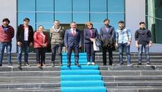 Eğitim Müşaviri Nesibova, Azerbaycan uyruklu öğrencilerle buluştu