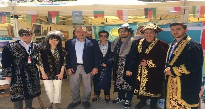 Uluslararası öğrenciler Sevgi Yolunda buluştu