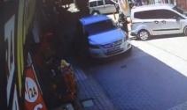 Otomobil yayaya böyle çarptı!