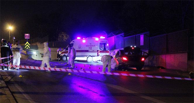 İstanbulda lüks otomobile silahlı saldırı: 2 ölü