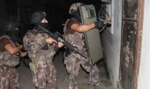 Adana'da 750 polisle 136 adrese infaz operasyonu