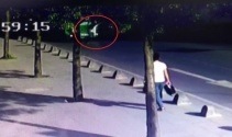 Karşıdan karşıya geçmeye çalışırken otomobil çarptı!