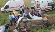Elazığ'da otomobil şarampole uçtu: 2 ölü, 3 yaralı