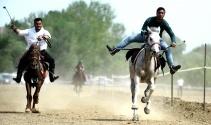 Rahvan atları kıyasıya yarıştı!