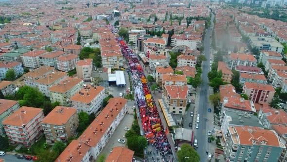 Bakırköy'de 1 Mayıs coşkusu havadan görüntülendi