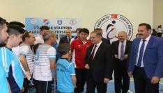 Oturarak Voleybol 2. Lig final müsabakaları Karamanda başladı.