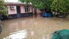 Kadirlide sağanak yağış hayatı olumsuz etkiledi