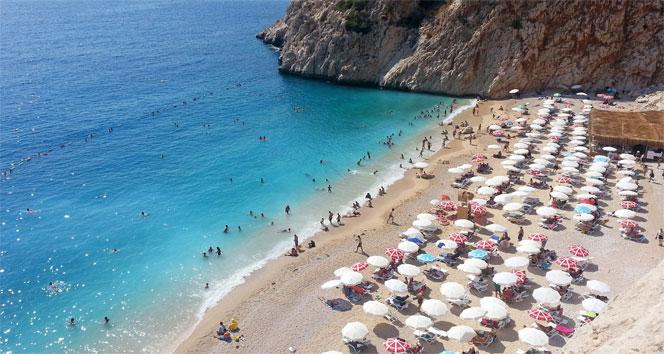 Kaçak turlar turizme darbe vuruyor