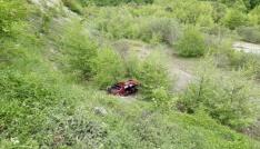 Sinopta pikap uçuruma yuvarlandı: 3 yaralı