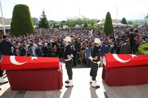 Başsavcı Alper ve makam şoförü Akşehirli'ye gözü yaşlı veda