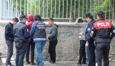100 polis ile okulların önünde şok uygulama