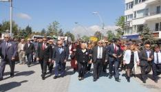 Yüzlerce kişi hayırsever işadamı, İzzet Baysal için yürüdü