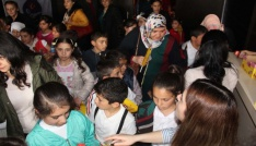 Kars Belediyesi çocukları tiyatroyla buluşturdu