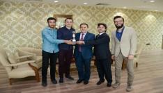 """Uşak Üniversitesi """"Klavye Yarışmasında üçüncü oldu"""
