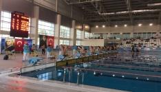 Paletli Yüzme yarışlarında ikinci gün müsabakaları tamamlandı