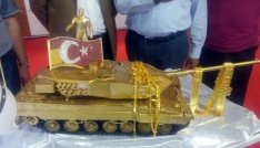 15 Temmuzun paha biçilemez altın tankı görücüye çıktı