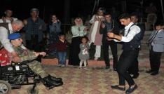 Engelli gencin 1 günlük askerliği için eğlence düzenlendi