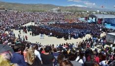 Erzincan Üniversitesinde mezuniyet sevinci