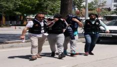 Adliyeye sevk edilen uyuşturucu zanlıları tutuklandı