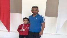 Hakkarili minik güreşçi Türkiye ikincisi oldu